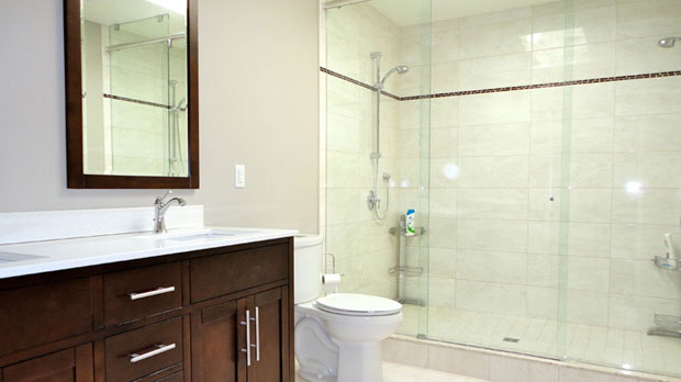 Small bathroom renovations ideas and remodeling tips for Bathroom remodel reno nv
