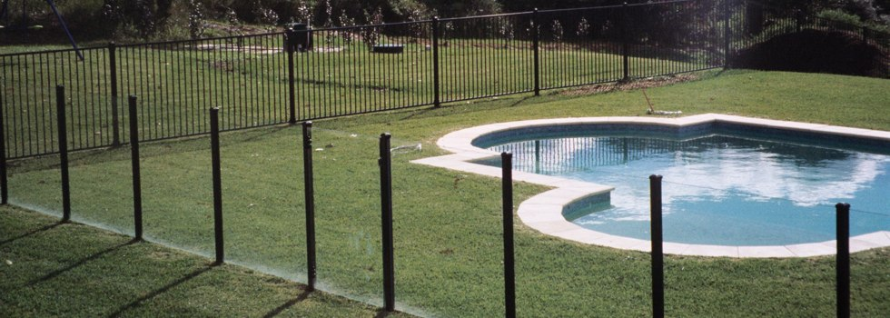 Fencing Frankston Are Timber Paling Fence Specialists