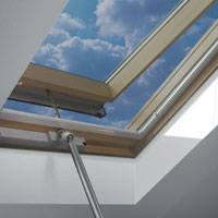 opening skylights for homes